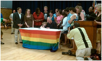 Governor Pat Quinn Signs Bill on Bullying in Schools