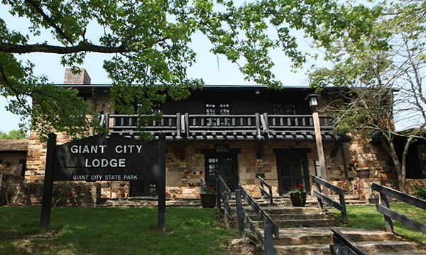 Giant City Lodge