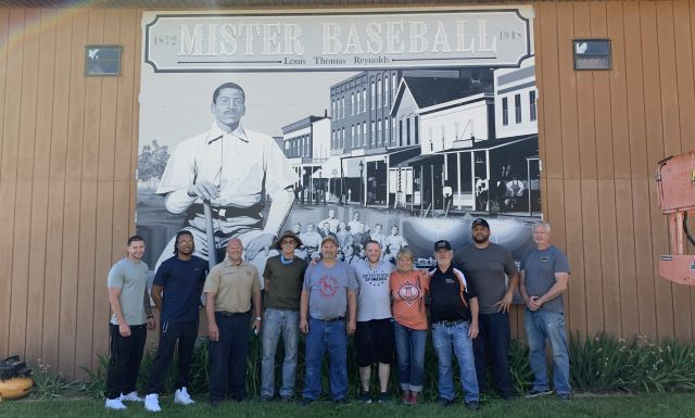 Kewanee Life Skills Re-Entry Center Presents Mural to City