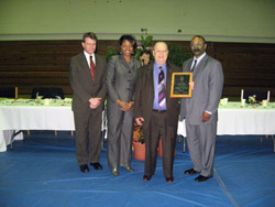 Carter, Crittenden named recipients of the Illinois Department of Corrections 2010 Volunteer of the Year Award